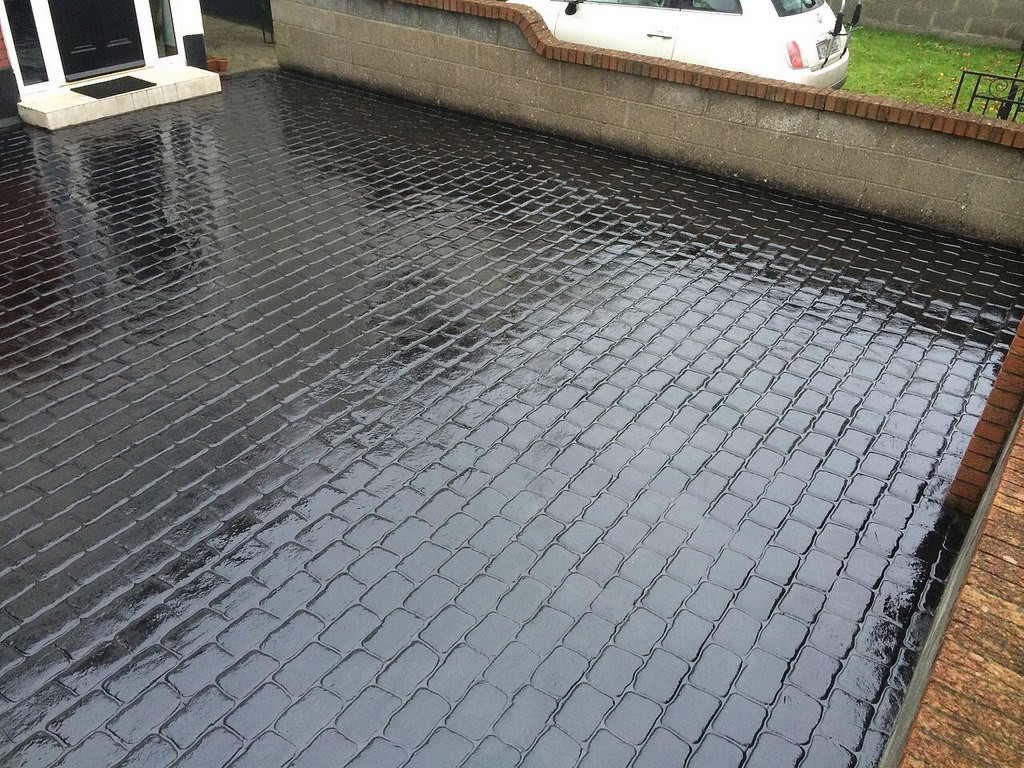 professional concrete driveway in Ballinhassig by Askeaton Paving